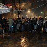 """ORILO SE """"SRBIJA, SRBIJA!"""" Evo kako su Srbi u Mitrovici reagovali na Vučićevu poruku DA ĆE SRBIJA IMATI SNAGE DA IH ZAŠTITI! (VIDEO/FOTO)"""