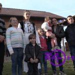 NOVAC DONIRALI HUMANI LJUDI Pokrivena kuća OSMOČLANE PORODICE Milinković u Prijedoru (FOTO)
