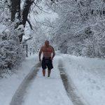 Trčao bez odjeće po snijegu pet kilometara a onda je URADIO OVO (FOTO)