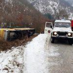 Nevesinje: Prevrnuo se autobus, dvoje mrtvih, više povrijeđenih
