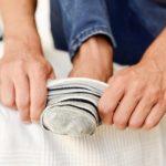 Ako vam se javi ovaj osećaj dok obuvate čarape – to može da bude znak dijabetesa