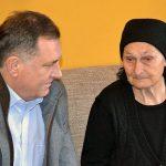 Dodik obećao dodatnu pomoć Milji Zečević koja je u ratu izgubila tri sina i muža