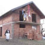 Pokrivena kuća porodici Milinković (VIDEO)