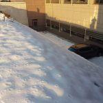 NESVAKIDAŠNJA NEZGODA Sletio s parkinga pa udario u UKC RS (FOTO)