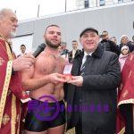 Prijedor: Stefan Paunović prvi doplivao do Časnog krsta (FOTO)
