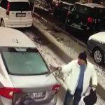 SAZNAJEMO KO JE UBICA SA BANOVOG BRDA Policija utvrdila identitet muškarca u beloj jakni, u toku POTRAGA ŠIROM SRBIJE
