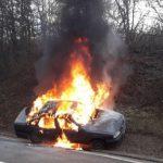TRAGEDIJA KOD BANJALUKE Automobil u vožnji potpuno izgorio, vozač se NIJE USPIO SPASITI (FOTO, VIDEO)
