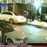 Na ulicama zaleđenog Čikaga ljudima otimaju kapute (VIDEO)