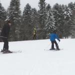 Nakon dvosedmičnog prekida, nastavljena sezona skijanja  na Kozari (VIDEO)
