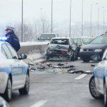 HAOS NA AUTOPUTU KOD BANJALUKE U lančanom sudaru učestvovalo osam automobila, jedna osoba povrijeđena