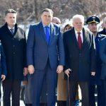 Dodik i Ivancov položili vijence na spomenik Čurkinu (FOTO)