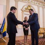 Dodik primio akreditivno pismo novoimenovanog ambasadora SAD (FOTO)