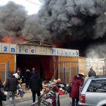 Veliki požar guta gradsku pijacu u Tuzli (FOTO/VIDEO)