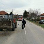 TEŠKA NESREĆA KOD PRIJEDORA U sudaru automobila i traktora jedna osoba poginula