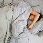BUDITE SE LIJEPI I ZDRAVI Zašto je dobro spavati na leđima?