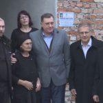 OSTALA BEZ TRI SINA I SUPRUGA Dodik posjetio Milju Zečević, kojoj su sve POBILI NA KUĆNOM PRAGU