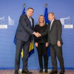 Brisel: Dodik uručio Hanu odgovore na Upitnik; Pres na RTRS od 12.40 (FOTO i VIDEO)
