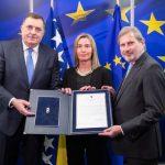 Dodik uručio Hanu odgovore na pitanja EK FOTO
