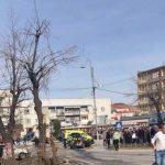 Stravični snimci iz Gnjilana: Kamion munjevito uleteo u masu, poginula jedna osoba, 20 povređenih (VIDEO)