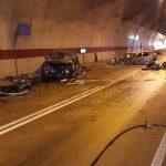 Vozač preminuo u bolnici, drugi teško ozlijeđen: Tunel zatvoren