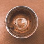Evo zašto nikada ne biste smjeli da pijete kafu i čaj iz plastične čaše