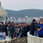 Tivat: Vjernici pobijedili! Molitvom odbranili svetinju (FOTO i VIDEO)