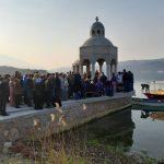 Potpisivanje peticije za obnovu manastira na Miholjskoj Prevlaci