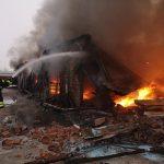 Vatrogasci ugasili požar na pijaci, šteta ogromna, radnici u šoku VIDEO