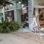 NESVAKIDAŠNJA NESREĆA U TESLIĆU Pijana djevojka džipom uletjela u prodavnicu cipela (FOTO)