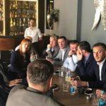 Dodik na kafi u Bijeljini: Razgovor sa stranačkim kolegama i građanima FOTO