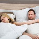 """Zagrljeni nogama, glava na grudima, okrenuti leđima, """"morska zvijezda""""... Položaj spavanja s partnerom otkriva kakav je vaš odnos!"""