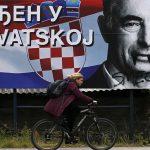 """""""ZAGREB, MOJ GRAD"""" Širom Hrvatske uništavani Pupovčevi plakati, a ovako je on ODGOVORIO VANDALIMA"""