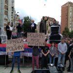 Srbi sa protesta u K.Mitrovici poručili: Ostajemo ovdje! (VIDEO/FOTO)