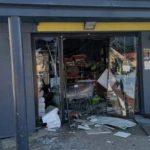 Eksplozivom raznijeli prodavnicu i odnijeli bankomat