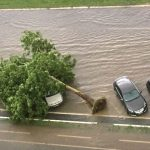 Nevrijeme u Beogradu: Ulice pod vodom, gejziri na saobraćajnicama (FOTO/VIDEO)