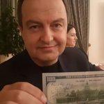 """NOVI IZAZOV """"KOSOVO JE SRBIJA"""" ZAPALIO MREŽE Sve je eskaliralo kada je Dačić uzeo novčanicu od 100 DOLARA"""