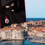 Još jedan sramni napad na Srbe u Hrvatskoj: Konobaru uočili tetovažu, došli s fantomkama preko lica i poručili mu da ima 24 sata da napusti Dubrovnik