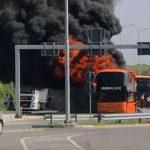Zapalio se novosadski autobus, svi putnici evakuisani (VIDEO)