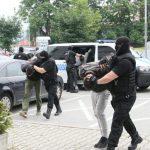 """PRODAVALI NARKOTIKE I LIHVARILI Dileri uhapšeni u akciji """"Klub 2"""" prebačeni u Tužilaštvo (FOTO)"""