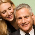 Zbog čega žene privlače stariji muškarci?