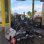Objavljena snimka stravične nesreće na naplatnim kućicama (VIDEO)