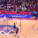 To mogu samo Srbi: Sekundu prije kraja trojka sa centra (VIDEO)