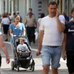 Otkrivene NOVE MJERE za demografsku obnovu: Svakom mladom bračnom paru po 30.000 KM KREDITA