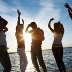Ne žele da se vežu: Ovi horoskopski znaci žive za ljetnje avanture!