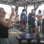 """Ulcinj: Cijela plaža ustala na himnu SFRЈ """"Hej Sloveni"""" (VIDEO)"""