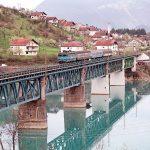 ATRAKCIJA NA UNI Turistički voz koji sedam puta prelazi granicu EU (FOTO, VIDEO)