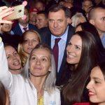 IZ SREDNJIH ŠKOLA U POLITIKU Omladina u Srpskoj sve više stranački aktivna