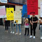 Performans sa porukama mira za kraj Ljeta kulture