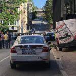 ZABIO SE KOMBIJEM U KAFIĆ Vozač preminuo nakon što je doživio SRČANI UDAR