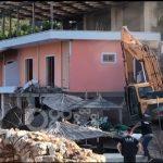 Albanija: Srušili mu restoran, jer je napao turiste (VIDEO)